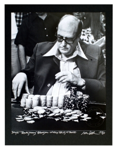Doyle Brunson disputando las WSOP, hace ya unos años